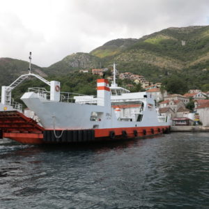 3.10-Dopoledne trajekt v Tivatu-Černá Hora