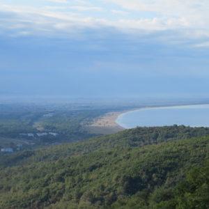 Kepi i Rodonit-pláž zálivu Gjiri i Lyaizit